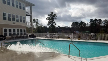 wolf-bay-landing-condominiums-pool