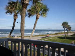 Court-Of-Palms-vacation-rental-2-bedroom-7