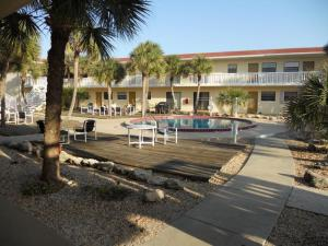 Court-of-palms-vacation-rental-05