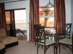 Court-of-palms-vacation-rental-1