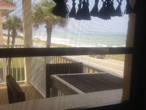 Court-of-palms-vacation-rental-7