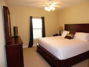 Wolf-Bay-Landing-condo-vaction-rentals-2bedroom-00