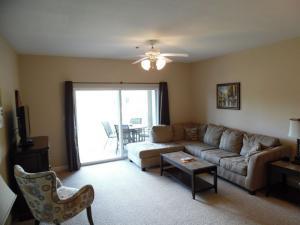Wolf-Bay-Landing-condo-vaction-rentals-2bedroom-01