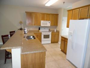 Wolf-Bay-Landing-condo-vaction-rentals-2bedroom-02