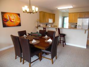 Wolf-Bay-Landing-condo-vaction-rentals-2bedroom-03