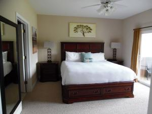 Wolf-Bay-Landing-condo-vaction-rentals-2bedroom-04