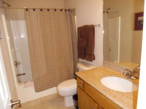 Wolf-Bay-Landing-condo-vaction-rentals-2bedroom-07